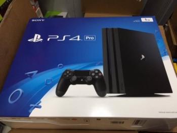 Brand new Sony PlayStation 4 Pro 1TB 4K Jet Black Console(Bundle) $200