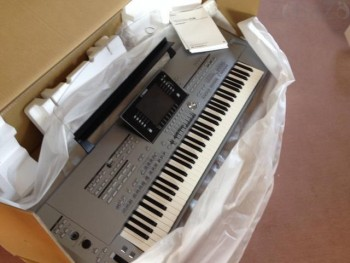 For Sale : Yamaha Motif XS8 88-key / Mackie Digital X Bus Console
